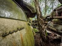 urbex-urban-exploration-opuszczone-abandoned-urbex-net_-pl-decay-decayed-car-graveyard-cmentarzysko-car-auto-rusty-11