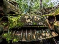 urbex-urban-exploration-opuszczone-abandoned-urbex-net_-pl-decay-decayed-car-graveyard-cmentarzysko-car-auto-rusty-2