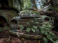 urbex-urban-exploration-opuszczone-abandoned-urbex-net_-pl-decay-decayed-car-graveyard-cmentarzysko-car-auto-rusty-5