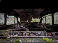 urbex-urban-exploration-opuszczone-abandoned-urbex-net_-pl-decay-decayed-car-graveyard-cmentarzysko-car-auto-rusty-9