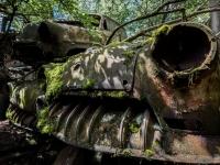 urbex-urban-exploration-opuszczone-abandoned-urbex-net_-pl-decay-decayed-car-graveyard-cmentarzysko-car-auto-rusty