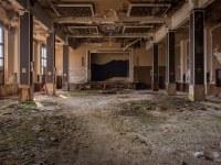 sala-balowa-ballroom-Germany-Niemcy-verlassene-Orte-urbex-urban-exploration-abandoned-miejsca-opuszczone-urbex.net_.pl-2