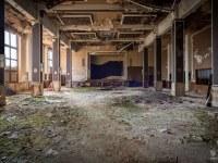 sala-balowa-ballroom-Germany-Niemcy-verlassene-Orte-urbex-urban-exploration-abandoned-miejsca-opuszczone-urbex.net_.pl-3