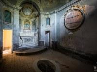 villa-cappella-funeraria-willa-manor-mansion-chatoue-Italy-Wlochy-luoghi-abbandonati-urbex-urban-exploration-urbex.net_.pl-8