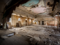 urbex-germany-abandoned-ballroom-3