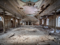 urbex-germany-abandoned-ballroom-4