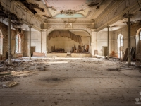 urbex-germany-abandoned-ballroom-5