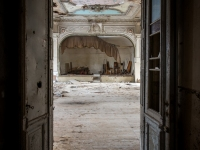 urbex-germany-abandoned-ballroom-6