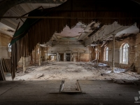 urbex-germany-abandoned-ballroom