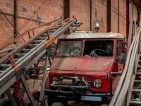 firetrucks-cmentarzysko-samochodow-cars-graveyard-France-Francja-lieux-abandonnes-urbex-urban-exploration-abandoned-urbex.net_.pl-10