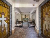 kaplica-chapel-Italy-Wlochy-luoghi-abbandonati-urbex-urban-exploration-abandoned-miejsca-opuszczone-urbex.net_.pl-2