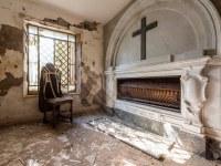 kaplica-chapel-Italy-Wlochy-luoghi-abbandonati-urbex-urban-exploration-abandoned-miejsca-opuszczone-urbex.net_.pl-6