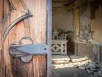 kaplica-chapel-Italy-Wlochy-luoghi-abbandonati-urbex-urban-exploration-abandoned-miejsca-opuszczone-urbex.net_.pl-8