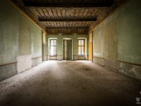 palazzo-L-palac-palace-mansion-manor-chatoue-Italy-Wlochy-luoghi-abbandonati-urbex-urban-exploration-abandoned-urbex.net_.pl-4