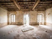 palazzo-L-palac-palace-mansion-manor-chatoue-Italy-Wlochy-luoghi-abbandonati-urbex-urban-exploration-abandoned-urbex.net_.pl-9