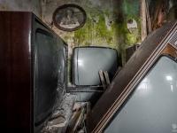 belgium-lost-pine-cones-urbex-urban-exploration-opuszczone-abandoned-urbex-net_-pl-decay-decayed-verlassen-19