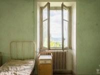 red-cross-szpital-hospital-Italy-Wlochy-luoghi-abbandonati-urbex-urban-exploration-abandoned-miejsca-opuszczone-urbex.net_.pl-2