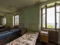 red-cross-szpital-hospital-Italy-Wlochy-luoghi-abbandonati-urbex-urban-exploration-abandoned-miejsca-opuszczone-urbex.net_.pl-3