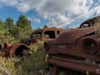 rusty-cars-cmentarzysko-samochodow-cars-graveyard-France-Francja-lieux-abandonnes-urbex-urban-exploration-abandoned-urbex.net_.pl-12