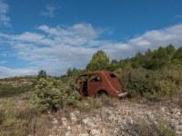 rusty-cars-cmentarzysko-samochodow-cars-graveyard-France-Francja-lieux-abandonnes-urbex-urban-exploration-abandoned-urbex.net_.pl-16