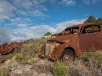 rusty-cars-cmentarzysko-samochodow-cars-graveyard-France-Francja-lieux-abandonnes-urbex-urban-exploration-abandoned-urbex.net_.pl-2