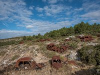 rusty-cars-cmentarzysko-samochodow-cars-graveyard-France-Francja-lieux-abandonnes-urbex-urban-exploration-abandoned-urbex.net_.pl-20