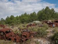 rusty-cars-cmentarzysko-samochodow-cars-graveyard-France-Francja-lieux-abandonnes-urbex-urban-exploration-abandoned-urbex.net_.pl-5