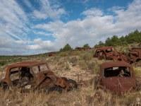 rusty-cars-cmentarzysko-samochodow-cars-graveyard-France-Francja-lieux-abandonnes-urbex-urban-exploration-abandoned-urbex.net_.pl-6