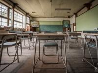 skeleton-teacher-school-japan-urbex-haikyo-abandoned-12
