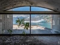montenegro-abandoned-urbex-opuszczone-hotel-fjord