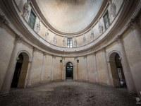 villa-rotonda-spazio-willa-villa-manor-mansion-chatoue-Italy-Wlochy-luoghi-abbandonati-urbex-urban-exploration-abandoned-urbex.net_.pl-7