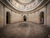 villa-rotonda-spazio-willa-villa-manor-mansion-chatoue-Italy-Wlochy-luoghi-abbandonati-urbex-urban-exploration-abandoned-urbex.net_.pl-8