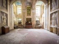 villa-SG-willa-villa-manor-mansion-chatoue-Italy-Wlochy-luoghi-abbandonati-urbex-urban-exploration-abandoned-miejsca-opuszczone-urbex.net_.pl-4