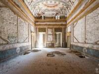 Villa-MDB-willa-villa-manor-mansion-chatoue-Italy-Wlochy-luoghi-abbandonati-urbex-urban-exploration-abandoned-urbex.net_.pl-2