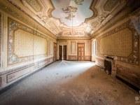 Villa-Oriental-Gem-willa-villa-manor-mansion-chatoue-Italy-Wlochy-luoghi-abbandonati-urbex-urban-exploration-abandoned-urbex.net_.pl-3