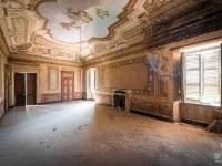 Villa-Oriental-Gem-willa-villa-manor-mansion-chatoue-Italy-Wlochy-luoghi-abbandonati-urbex-urban-exploration-abandoned-urbex.net_.pl-4