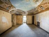 Villa-Oriental-Gem-willa-villa-manor-mansion-chatoue-Italy-Wlochy-luoghi-abbandonati-urbex-urban-exploration-abandoned-urbex.net_.pl_