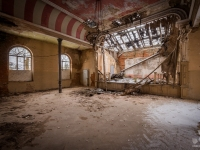 urbex-germany-abandoned-ballroom-3