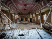 urbex-germany-abandoned-ballroom-4
