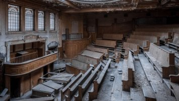 abandoned auction house United Kingdom