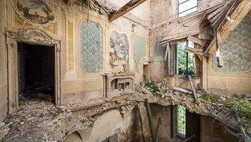 Rise and Fall abandoned villa Italy