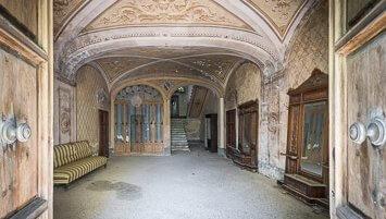abandoned villa F Italy