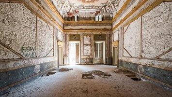 abandoned villa mdb italy
