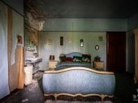 dr-pepito-belgium-abandoned-house-6