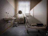 italy, hospital, abandoned-2