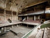 theater-belgium-varia-abandoned-urbex-6